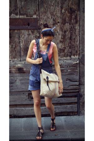 pink Ceri vintage t-shirt - blue Ceri vintage jeans - blue vintage accessories -