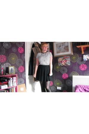 Forever 21 t-shirt - Primark skirt