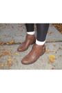 Brown-boots-black-tights-blue-denim-shorts-dark-brown-top