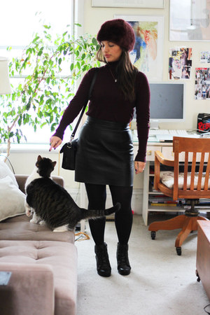 black leather American Apparel skirt - black lace-up Aldo boots