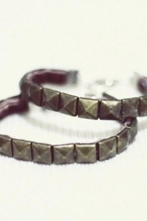 stud DIY bracelet