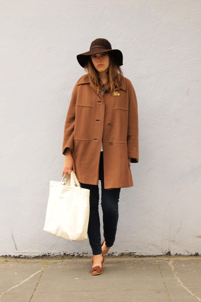 dark brown heeled thrifted coat - dark brown wool thrifted hat - white tote E&Co