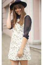 ivory duck print vintage dress - navy wool vintage hat - silver H&M socks
