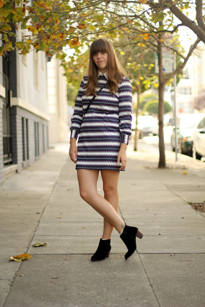 navy Vintage thrifted dress - black suede Dolce Vita boots