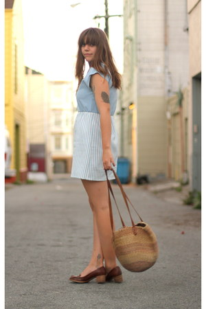 light blue nautical vintage dress - tan market vintage bag