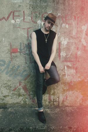 black Zara shoes - charcoal gray Zara jeans - bronze New Yorker hat
