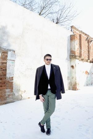 black H&M shoes - black Zara blazer - off white H&M top - green pants