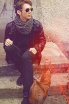 Retro Black