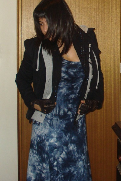 blue dress - gray jacket - black jacket - black scarf - brown gloves