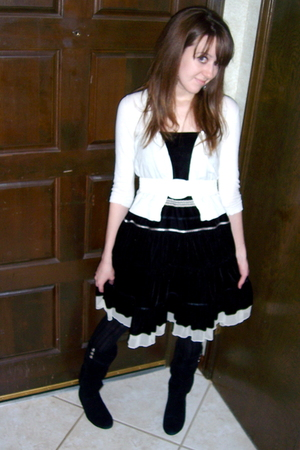 black New York & Company skirt - white vintage belt - white Chinese Laundry boot