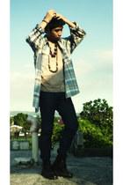 dark brown brown Kickers boots - navy denim Penshoppe jeans