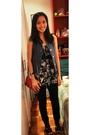 Pink-mango-purse-blue-poisonberry-vest-black-fox-top-black-f-h-jeans-bla