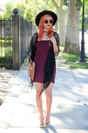 maroon shift dress Tobi dress - black felt Similar hat