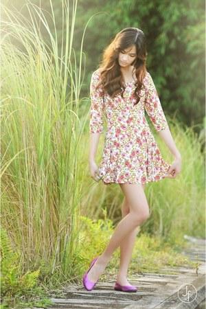 peach floral dress