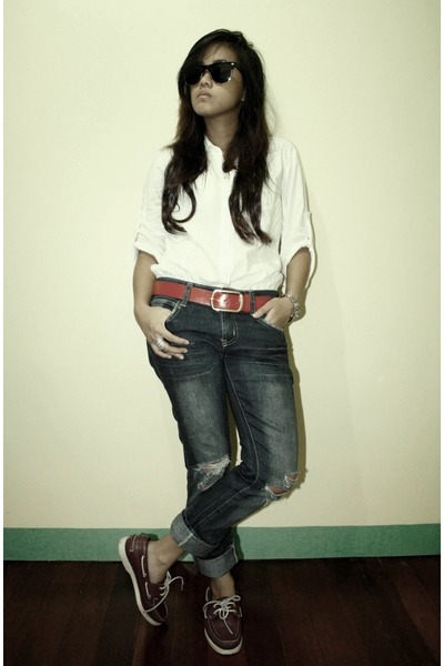 white top - gold Ray Ban sunglasses - red Sebago shoes - red belt - blue jeans -