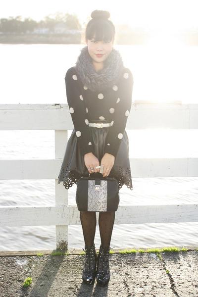 black Forever 21 sweater - gray fur snood asos scarf