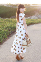 gold Lulu Frost necklace - white All That Jazz dress - off white Chloe bag