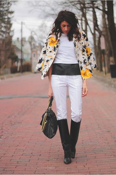 light yellow vintage blazer - black Manolo Blahnik boots