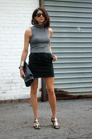 gray three dots shirt - black Chloe skirt