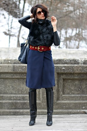 blue Choies vest - black Manolo Blahnik boots