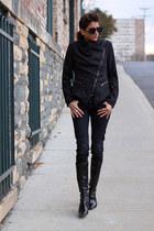 black motorcycle jacket - black boots - black jeans