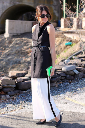 black BB Dakota vest - white H&M pants
