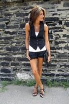 black tracey feith shorts - black BCBG vest - black wedges