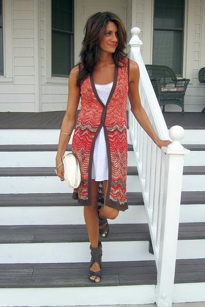white tank Hurley dress - Nine West cardigan - dark brown Fergie heels