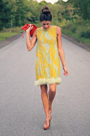 vintage dress - stuart weitzman heels