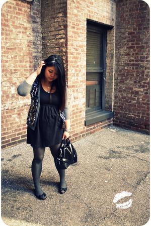 gray kate spade cardigan - black kate spade shoes - black kate spade accessories