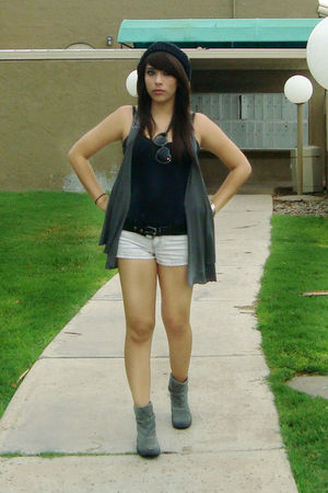 black Forever 21 hat - black blouse - gray JCpenney vest - black Casa Doberman s