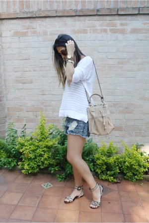 Forever 21 shorts - Zara bag - Forever 21 sunglasses - Gap blouse