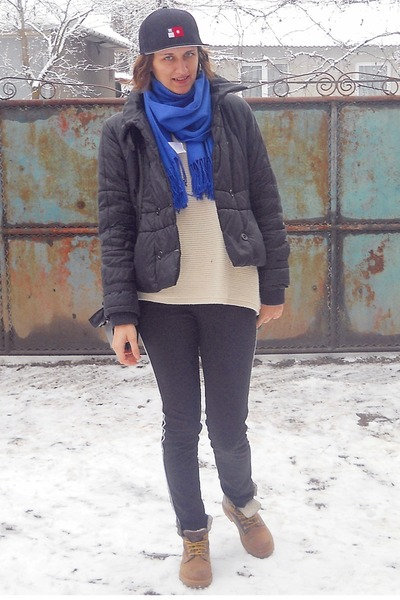 Vero Moda sweater - stone creek boots - no name jacket - no name scarf
