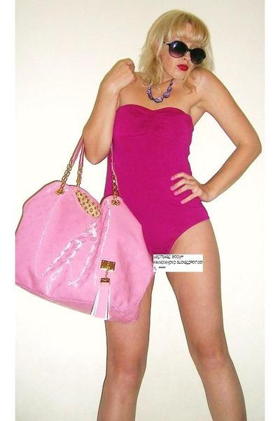 bubble gum Louis Vuitton bag - hot pink westrags bodysuit - 400 x 600  62kb  jpg