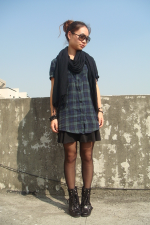Ray Ban sunglasses - H&M scarf - shirt - skirt - Nine West boots