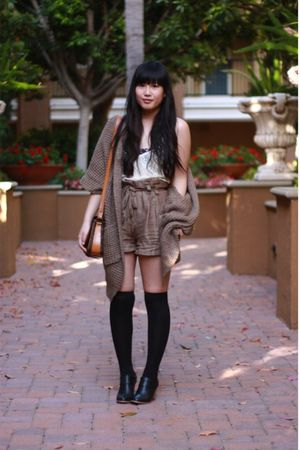 beige V Generation top - black Urban Outfitters bra - brown H&amp;M shorts - brown F