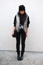 Black-h-m-sweater-gray-forever-21-vest-black-levis-jeans-gray-payless-boot