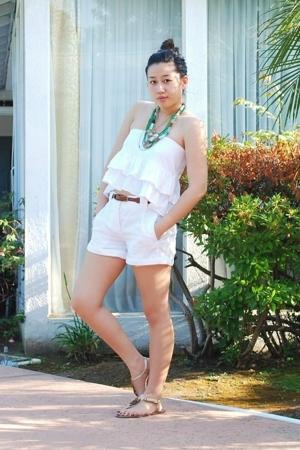 eyeshadow skirt - H&M shorts - Forever 21 belt - American Eagle necklace - Forev