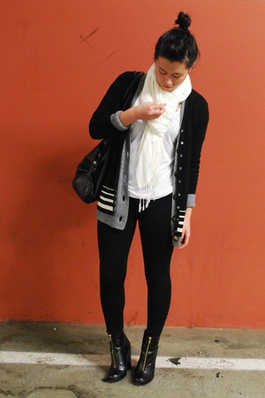 white H&M shirt - white fringe H&M scarf - gray abercrombie & fitch - black H&M