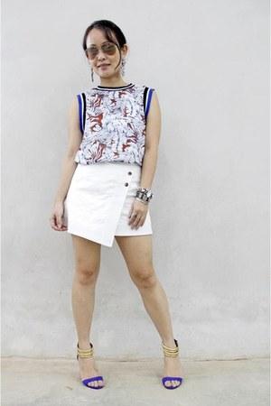 white ezra skirt - dark brown Femme Elegante top - blue River Island heels