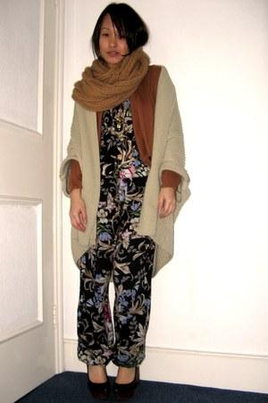 black random romper - tawny Bershka cardigan - camel asos cardigan - black Jeffr