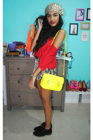 black Bongo boots - neutral Forever 21 hat - yellow delias bag