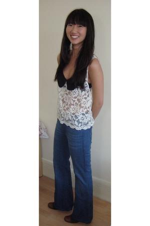 blue Wrangler jeans - white blouse