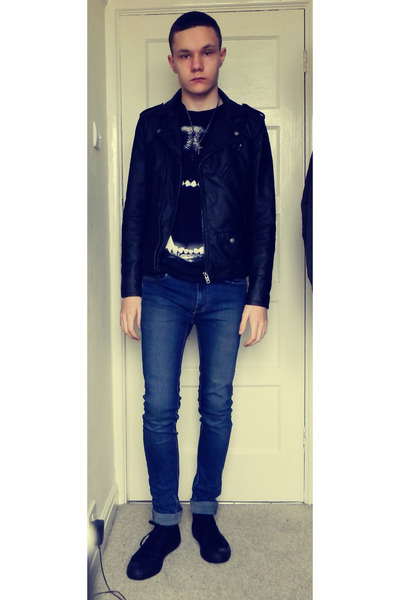 silver cross Topman necklace - skinny River Island jeans
