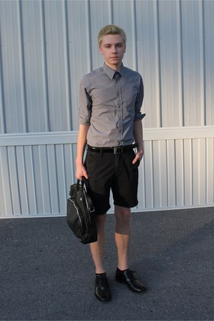 black khaki Gap shorts - black Nunn Bush shoes - heather gray George shirt
