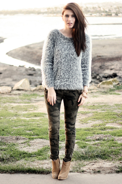 Heather Gray Romwe Sweaters, Tan Asos Boots, Dark Khaki Zara Pants ...