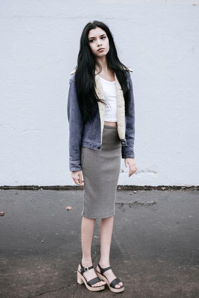 117ad52bb91 dark gray American Apparel sandals - dark khaki ribbed pencil Forever 21  skirt
