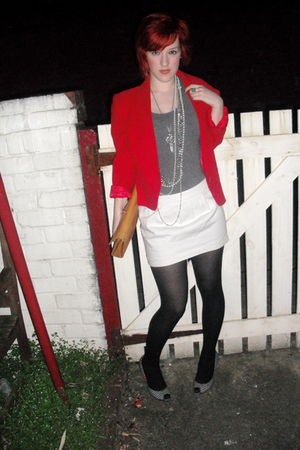red vintage jacket - gray H&M t-shirt - beige vintage accessories - white Topsho