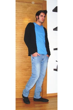 blue Zara jeans - blue H&M t-shirt - black H&M cardigan - Fred Perry shoes