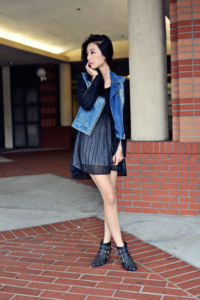 black denim two-toned ax jacket - Jeffrey Campbell boots